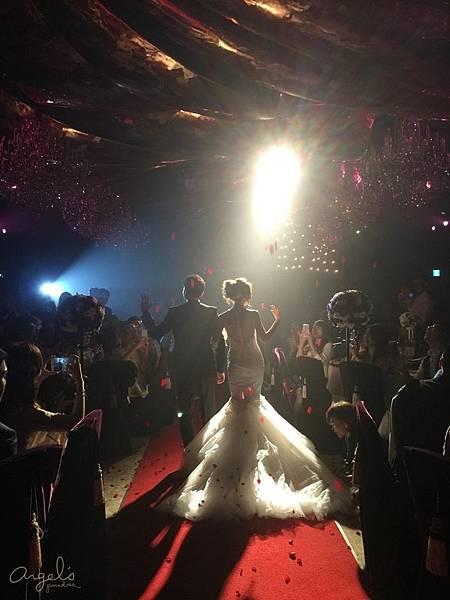 weddingS_F241423398D990F247DE5A43FF26DA61.15052316.jpg