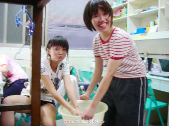 然後享受貴妃級待遇 專人幫我拿洗手盆XD 謝謝婷琳呀