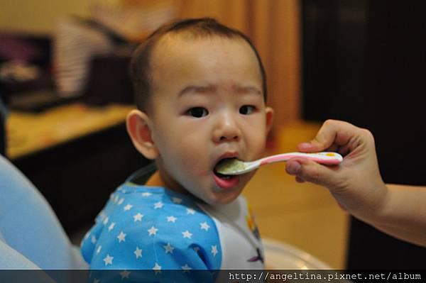 認真吃飯飯才是好孩子