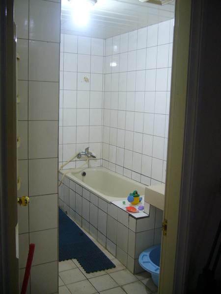 相通的浴室