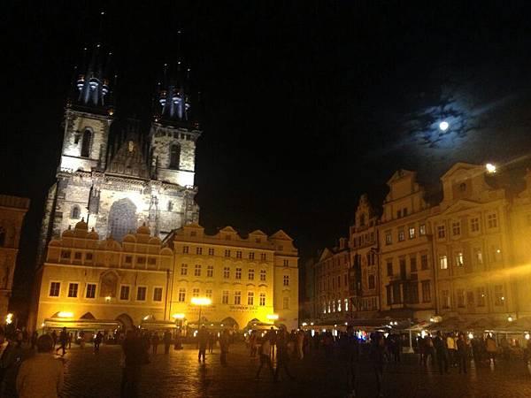 夜晚的布拉格