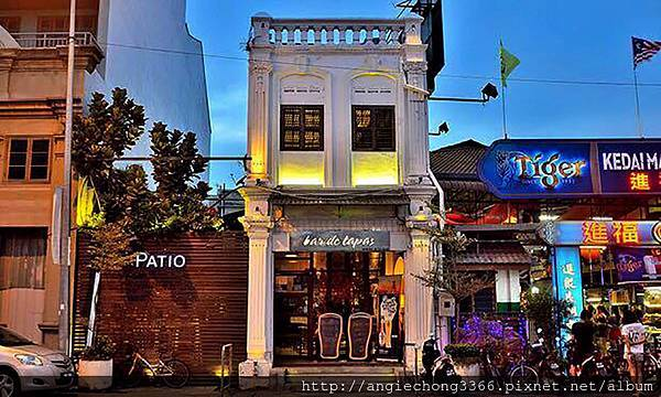 patio1_1.jpg