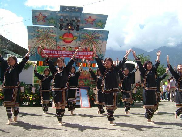 媽媽教室原住民舞蹈