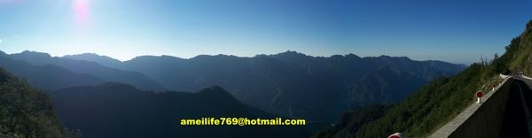 08.11.14阿里山山脈群峰.jpg