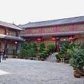 08.11.24麗江古城關門口附近