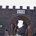08.11.24麗江古城關門口