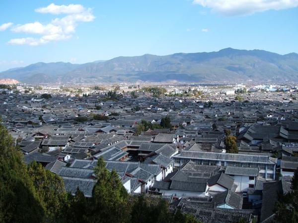 08.11.24新華街黃山段俯瞰麗江古城