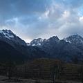 08.11.25黃昏的玉龍雪山