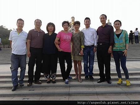 與上海庸創投資的會長和其團隊交流……。