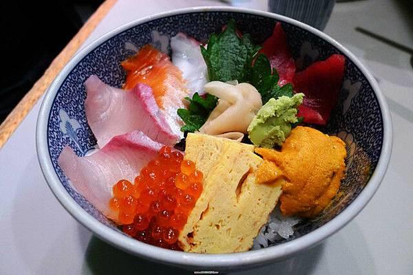 海鮮丼上桌囉!!!