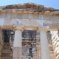雅典人的寶庫正面
