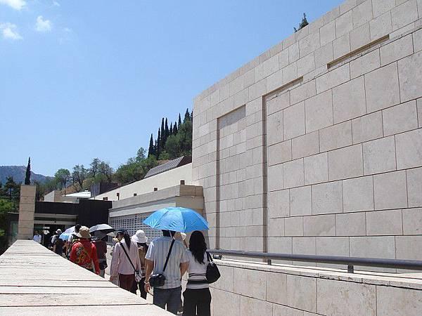 前往Delphi博物館