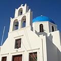 有個大廣場的藍頂教堂