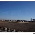 離開了東京,呈現開闊的田野景緻