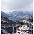 遠方的中禪寺湖及華嚴瀑布