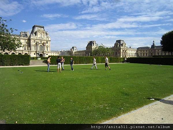 16巴黎青少年-用鞋子當球門