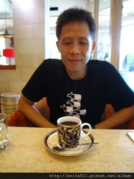 高雄二元咖啡