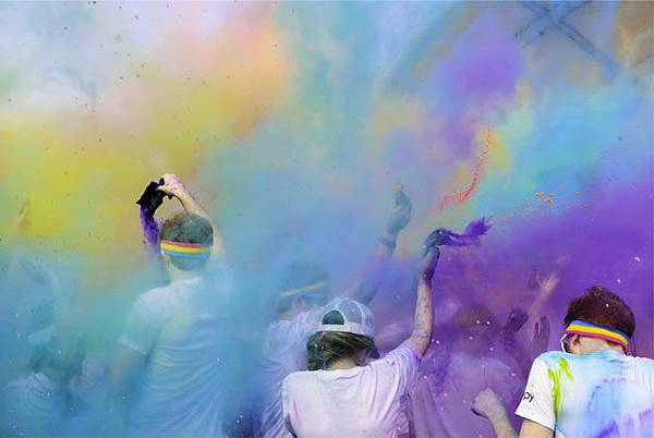 color play 彩色趴
