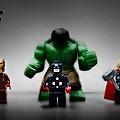 AVENGERS_LEGO_MINIMATES_MAY2012_LEGO