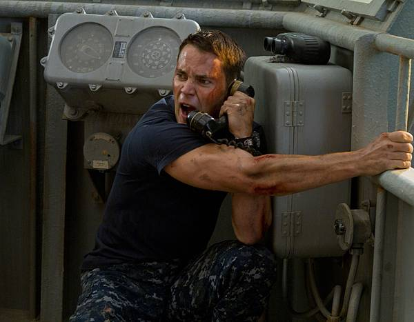 Taylor-Kitsch-Battleship-movie-image
