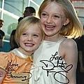 dakota-fanning-elle-fanning-signed-autographed-photo-486741
