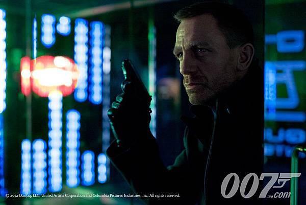 james-bond-skyfall-movie-image-daniel-craig-011