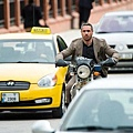 歐拉瑞佩斯在《007空降危機》中飾演冷血殺手