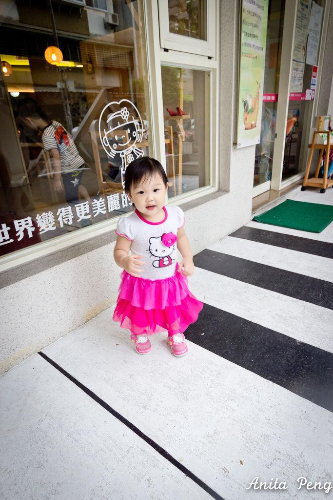可愛寶寶終於看鏡頭了