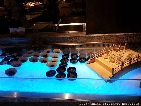 壽司區,還有乾冰造景