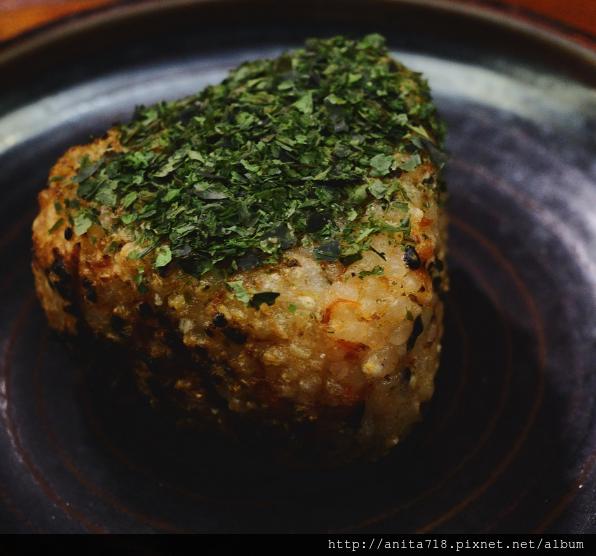 烤鮭魚飯糰
