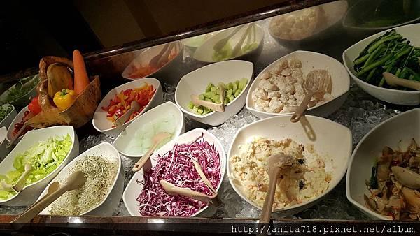 沙拉吧檯2