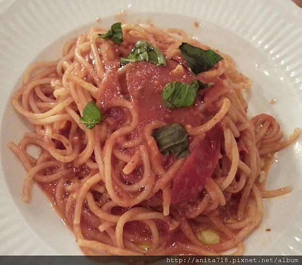 西西里櫻桃蕃茄鯷魚義大利麵