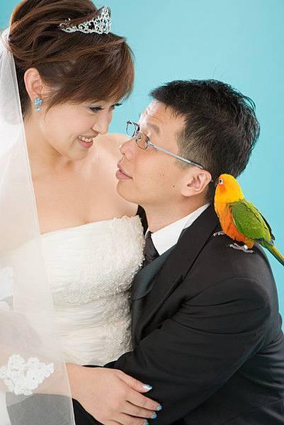 多多在耳邊說:新娘好美喔