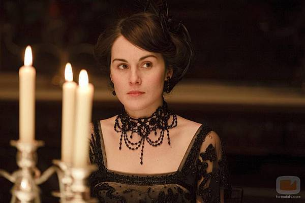 24532_michelle-dockery-es-lady-mary-crawley-en-downton-abbey