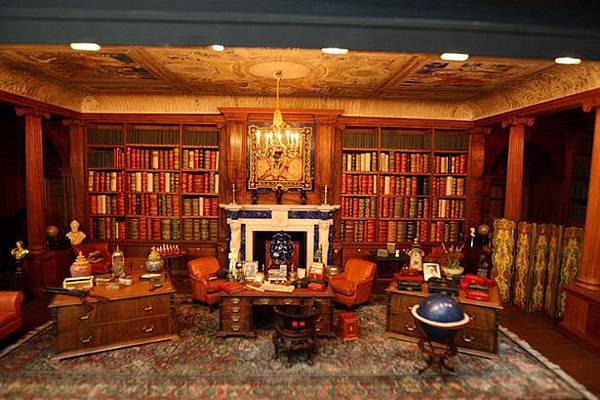 A view of the library of a Queen Mary's dolls house, at Windsor Castle-797363.jpg