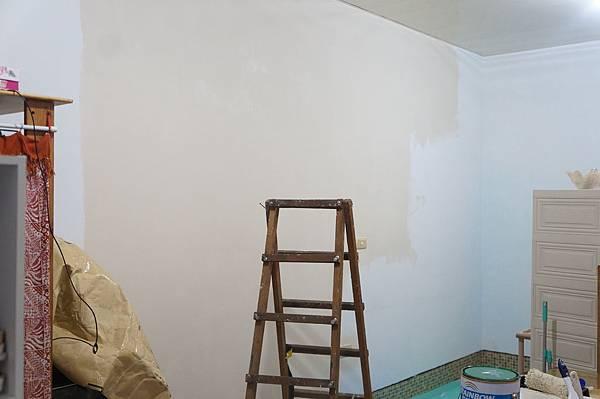 6鵝黃色水泥漆.JPG