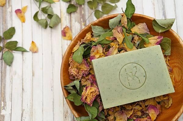 玫瑰海藻水潤皂 (1).JPG