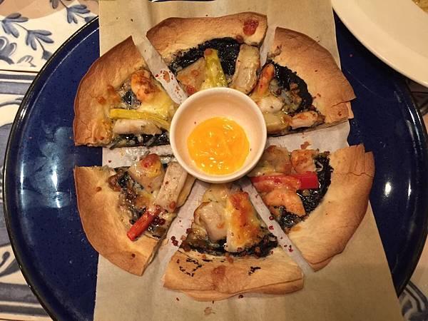 墨魚海鮮薄餅