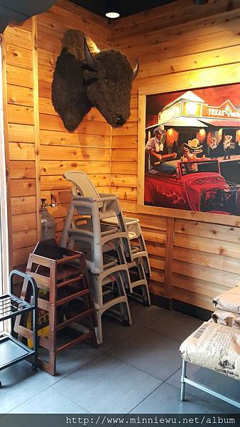 Texas Roadhouse德州鮮切牛排餐廳照片