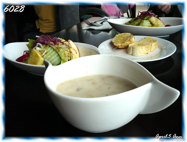 湯品、麵包及沙拉