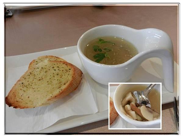 0831cibocibo香蒜麵包及野菇雞湯.jpg