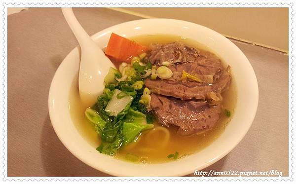 20110922 牛軋堂  清燉牛肉麵.jpg