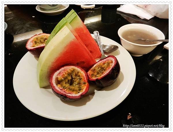0929梅村餐後水果甜點.jpg