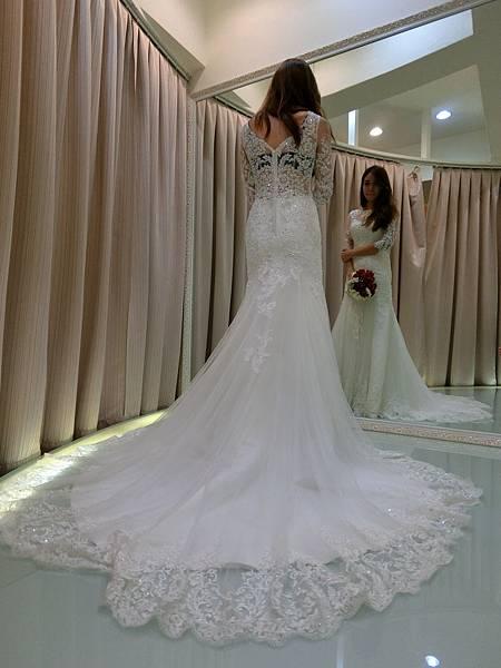 禮服租借:高雄婚紗工作室