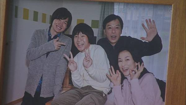 家族游戏.Kazoku.Game.Ep10.Final.Chi_Jap.HDTVrip.1024X576-YYeTs人人影视[13-58-12].JPG