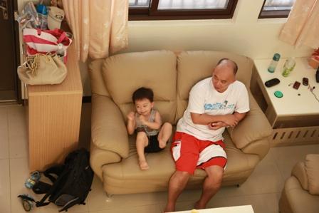 樓下的父子檔.JPG
