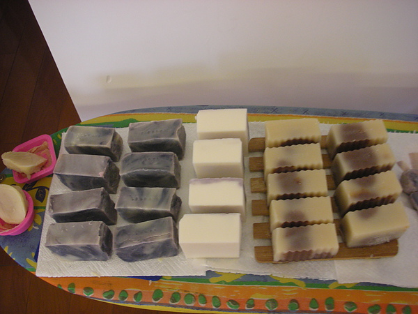 甜點系列的皂寶合照來一張