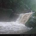 溯溪中44-第一關水開始變濁了.jpg