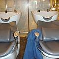 舒服的洗頭椅.JPG
