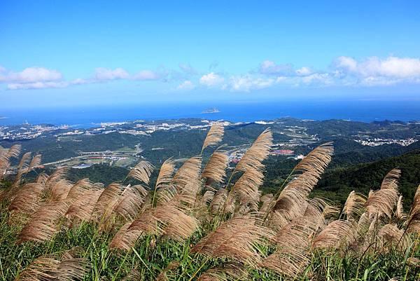 遠方的小島是基隆嶼